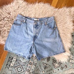 Levi's relaxed Shorts 550 denim Shorts Size 16